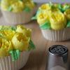 Paasei cupcakes met tulpen