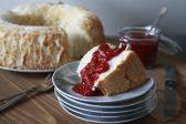 Angel foodcake met frambozen saus| HandmadeHelen