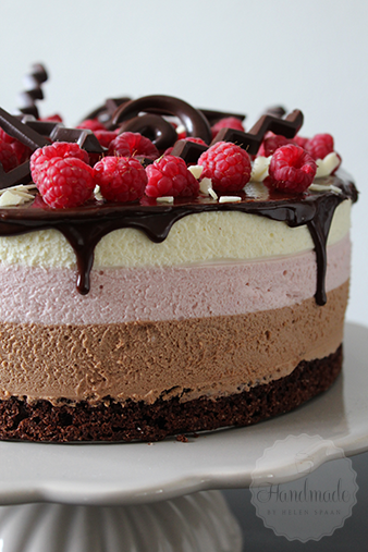 chocoladelaag over taart Chocolade frambozen mousse taart   Handmade Helen chocoladelaag over taart