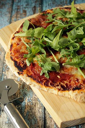 Pizza met yoghurt deeg | HandmadeHelen